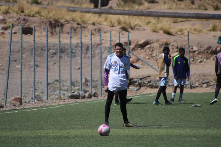 El técnico Apaza se decide por Saldías para reemplazar a Luis Garnica
