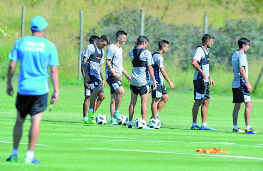 El líder Racing visita a Lanús en la jornada previa al superclásico argentino