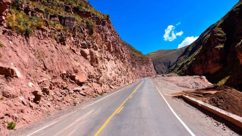 """Vuelven a bloquear un tramo de la vía """"Diagonal Jaime Mendoza"""""""
