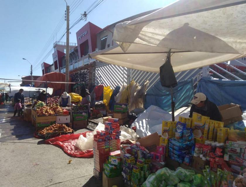 Comerciantes marchan hoy por inamovilidad de la feria