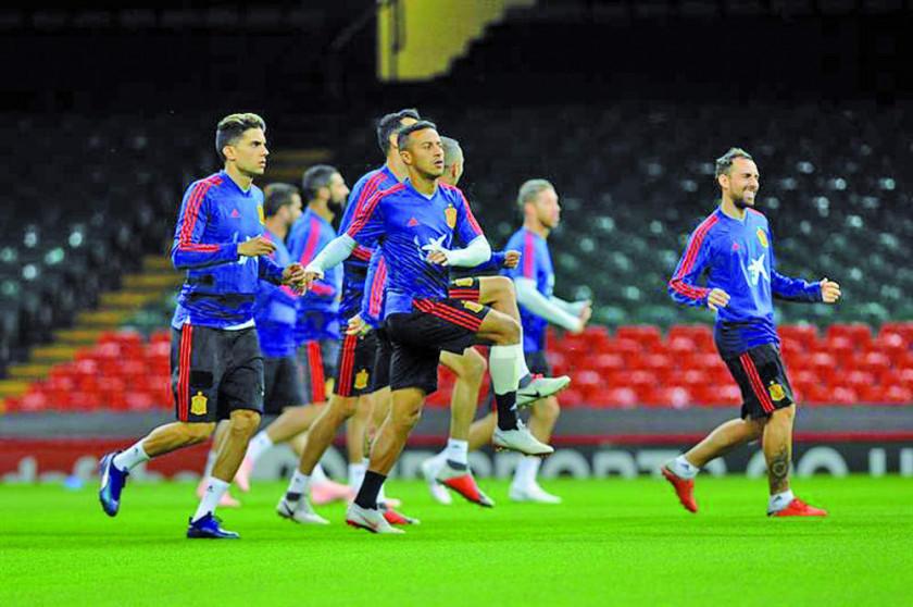 España busca asegurar un triunfo ante Gales