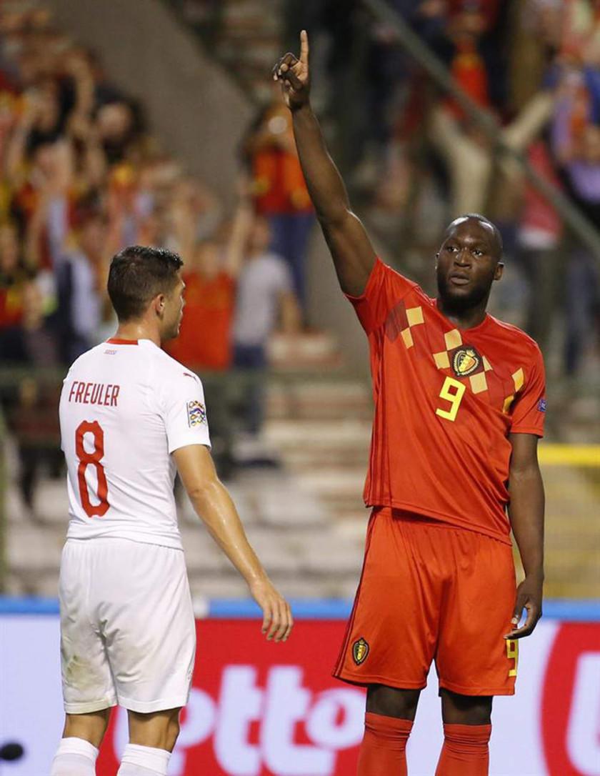 Bélgica vence a Suiza con goles de Lukaku