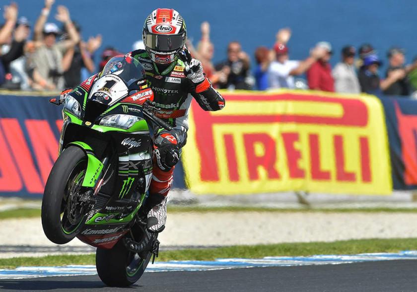 Rea extiende su serie de triunfos en Superbike