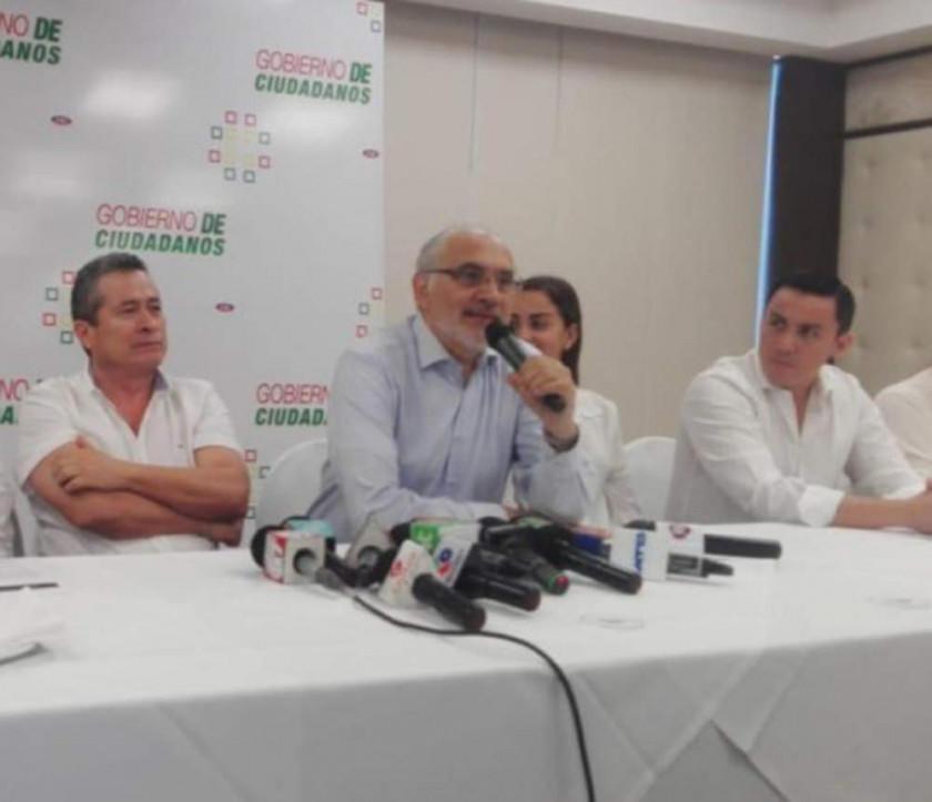 """Carlos Mesa propone construir el plan """"gobierno de ciudadanos"""""""
