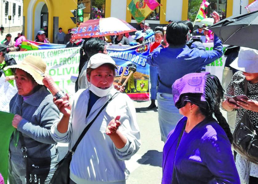 Los comerciantes siguen y suman procesos penales