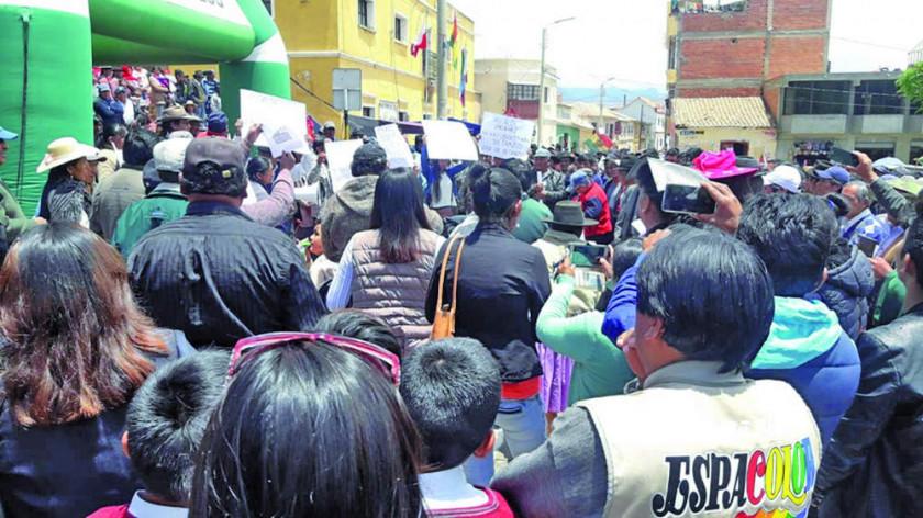 Vecinos impiden actos de celebración en Betanzos