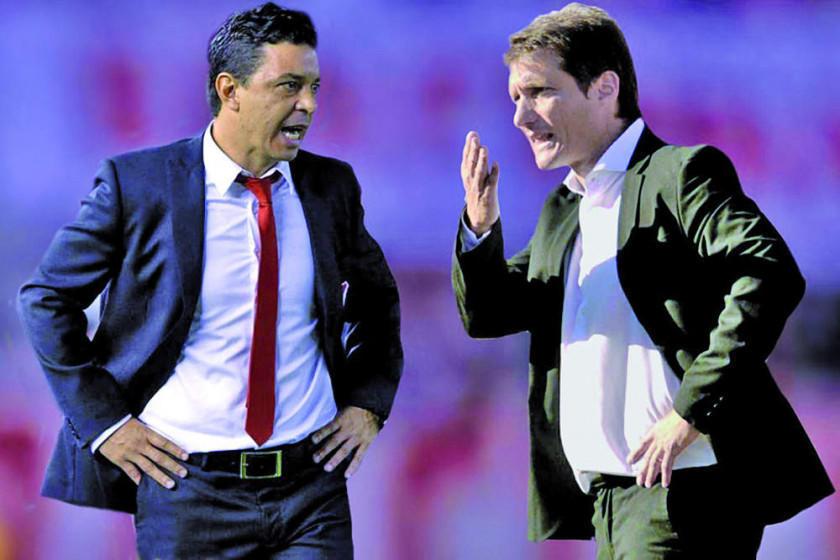 Guillermo Barros Schelotto y Marcelo Gallardo, rivales desde la cancha al banquillo