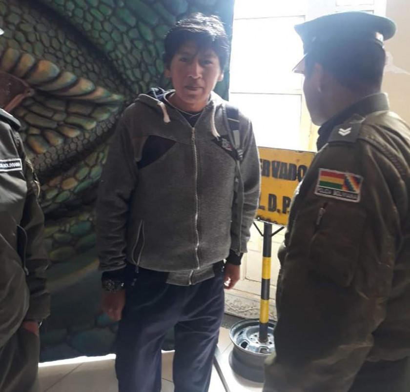 """Joven que gritó """"Bolivia dijo No"""" tiene 10 días para tramitar arraigo"""