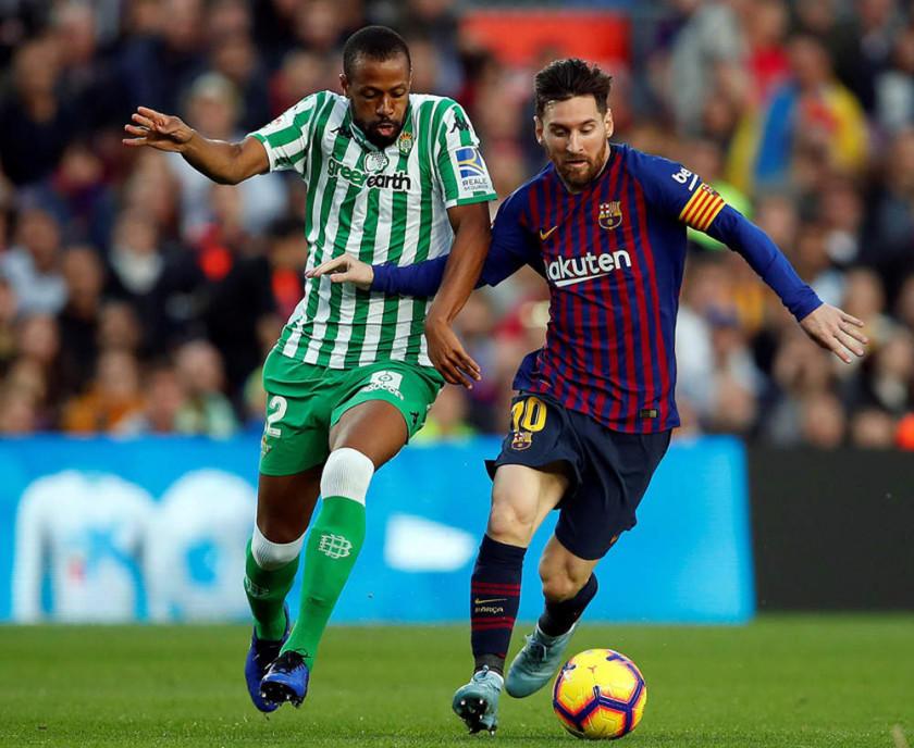Messi reaparece con goles en el Barza