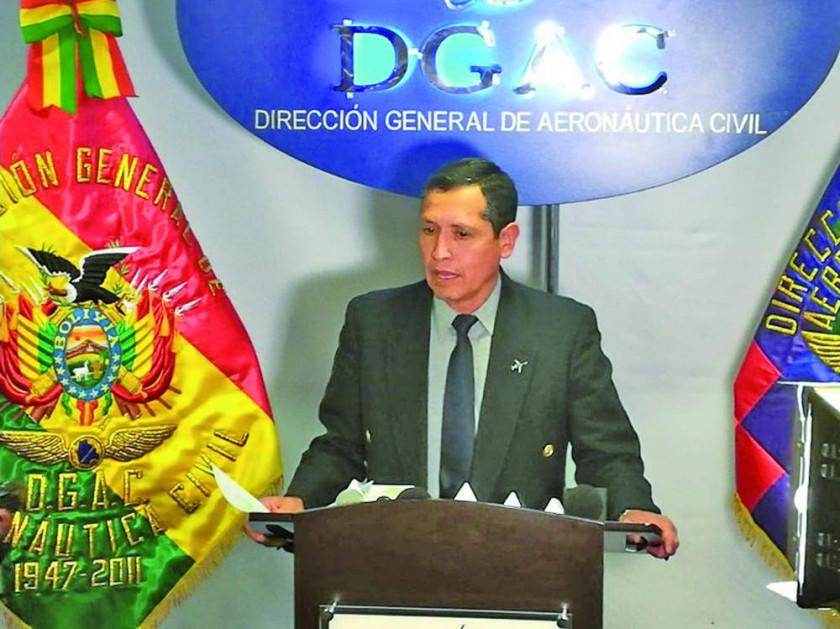 Pilotos civiles denuncian al director de aeronáutica