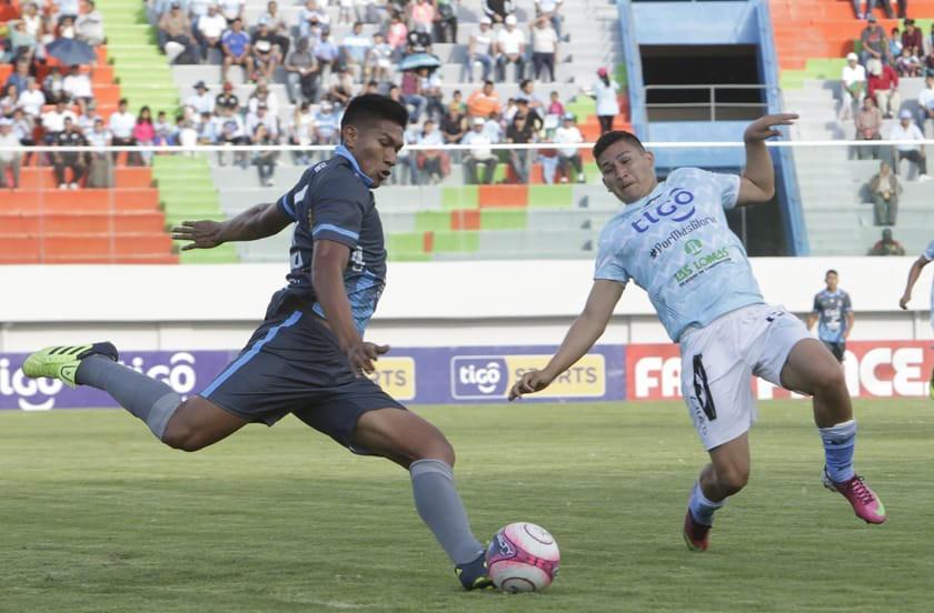 Blooming y Aurora terminan sin goles en Cochabamba