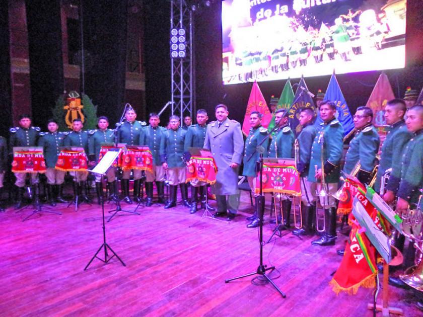La Banda de Música del Regimiento 3 Pérez ofreció una retreta de gala