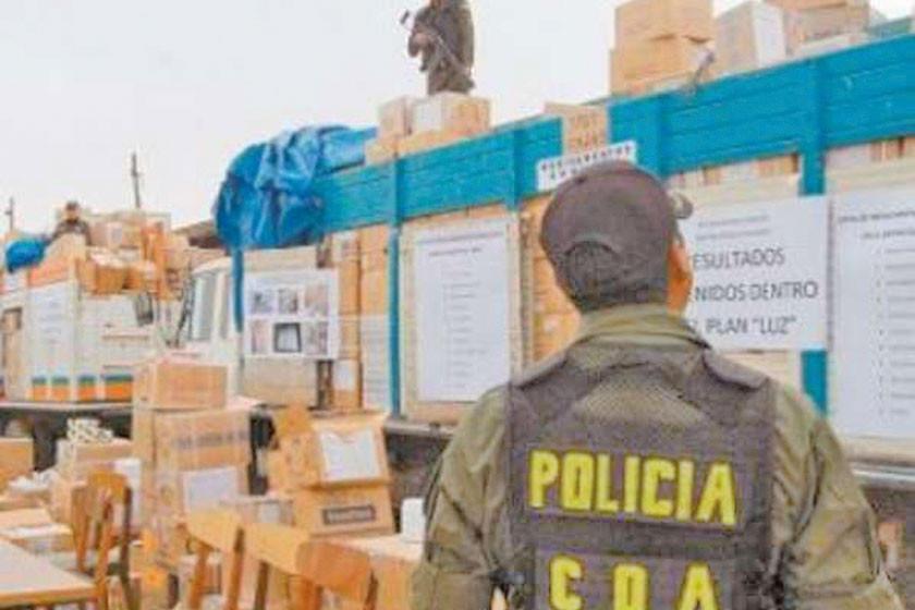 Revelan red de contrabando que involucra a efectivos policiales