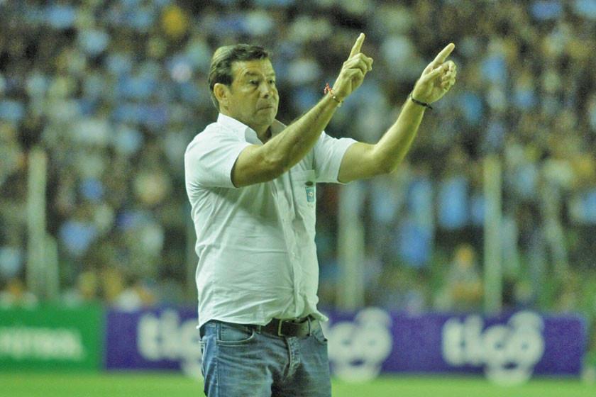 Sánchez apela a un sistema ofensivo para sumar puntos