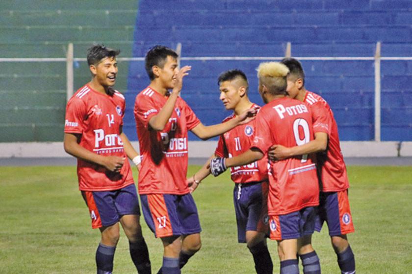 """Potosí cae ante el combinado paceño en su visita el estadio """"Municipal"""""""
