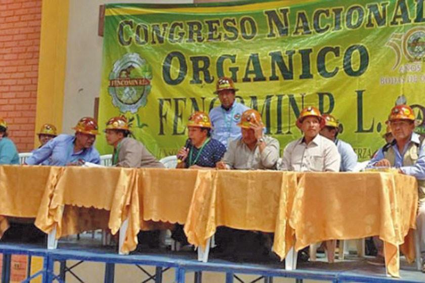 Cooperativistas mineros deciden apoyar la repostulación de Evo