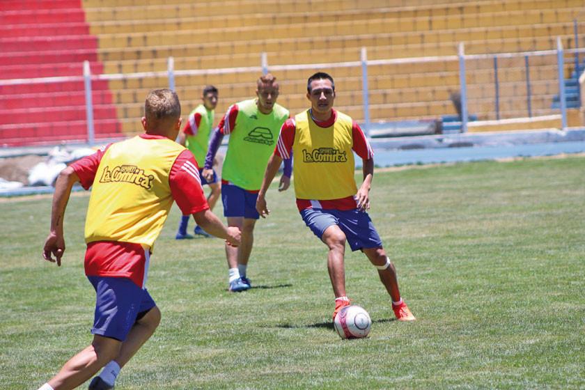 Vargas vuelve y Santillán es duda para el cotejo ante Bolívar