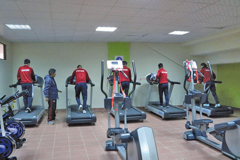 Gobernación entrega gimnasio para que deportistas se preparen para torneos