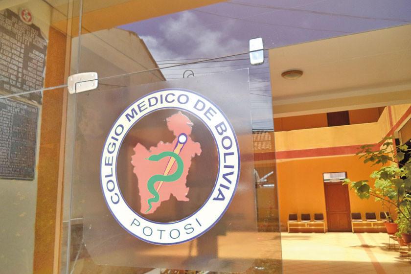 Médicos de Potosí atienden sin problemas esta jornada