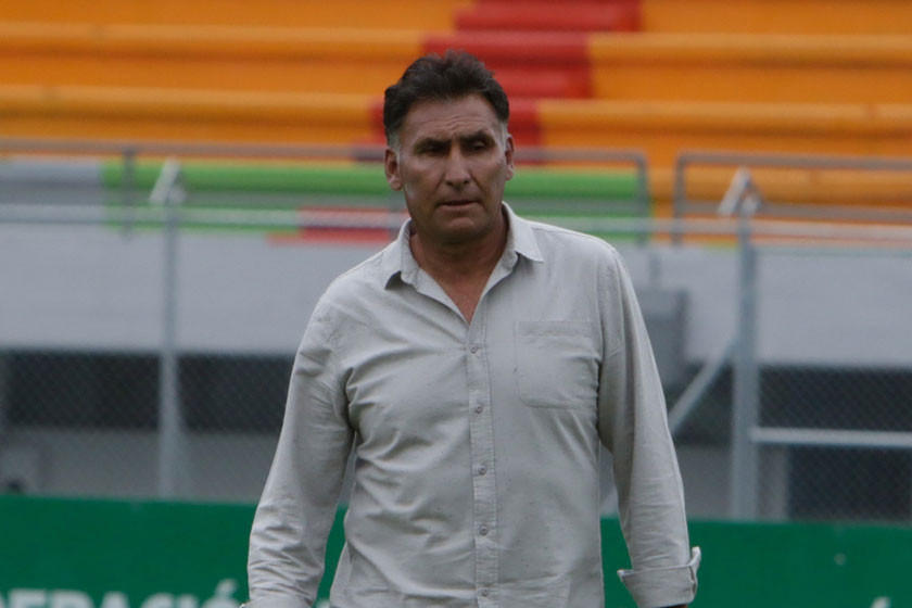 Marcos Ferrufino seguirá en Aurora