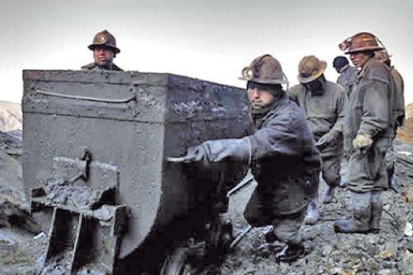 Cooperativas mineras accederán a contratos en áreas de Comibol