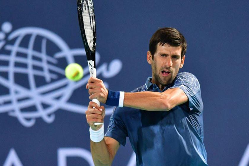 Djokovic busca su cuarto título en Abu Dabi