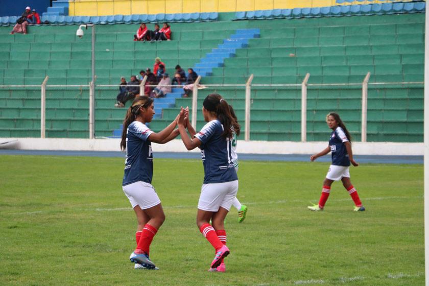 """Potosí se impone a Tarija en su visita al """"IV Centenario"""""""