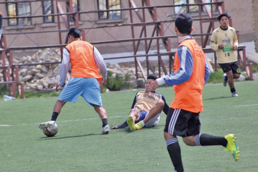 Real Potosí presenta a Ochoaizpur y empieza con las pruebas a jugadores