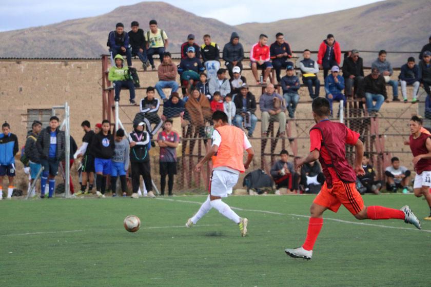 Más de 100 jugadores se dan cita en el primer día de pruebas de Real Potosí