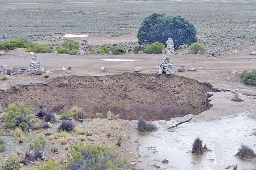 Alarma hundimiento de la tierra en Calamarca