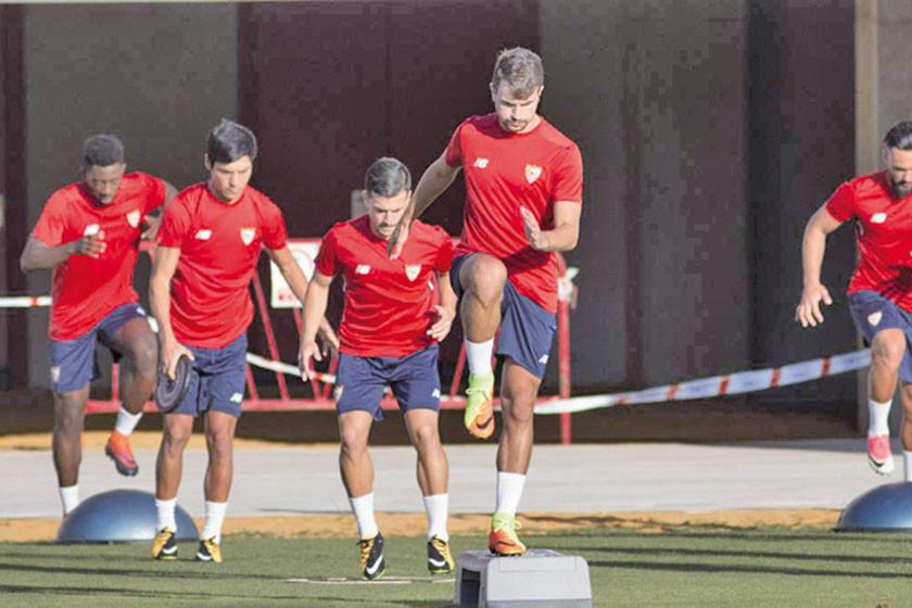 """Sevilla y Atlético protagonizan un duelo de altura en el """"Ramón Sánchez Pizjuán"""""""