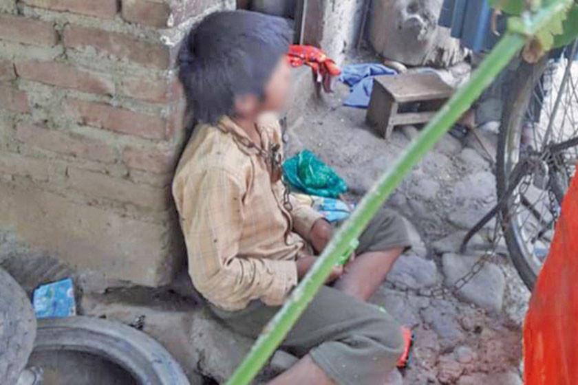 Niño de 9 años que fue encadenado por perder un celular fue liberado
