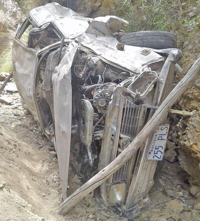 Dos integrantes de una familia pierden la vida en accidente en Betanzos