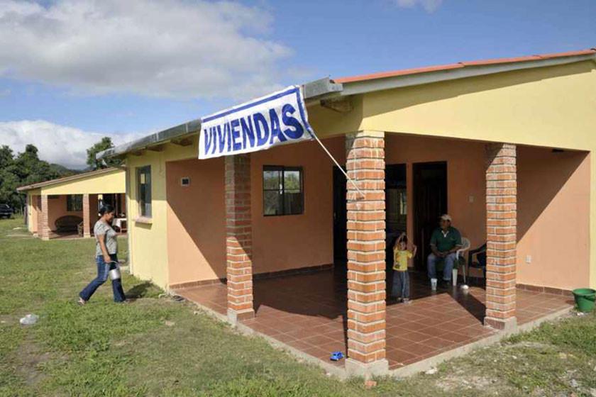 Promocionan planes de vivienda para los habitantes de Potosí