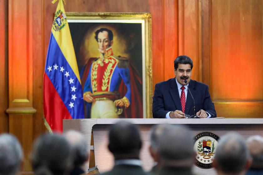 Guaidó pide renuncia de Maduro como condición para el diálogo