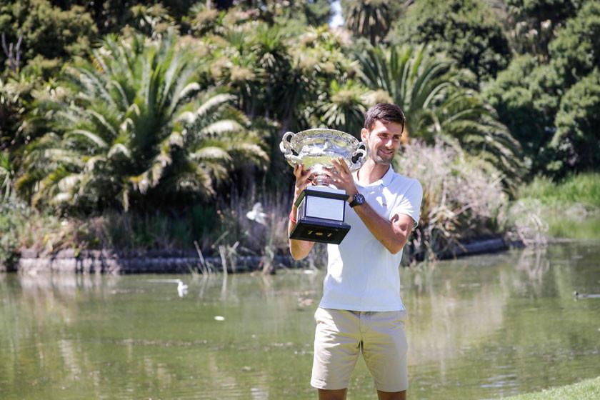 Djokovic se convierte en rey de Australia
