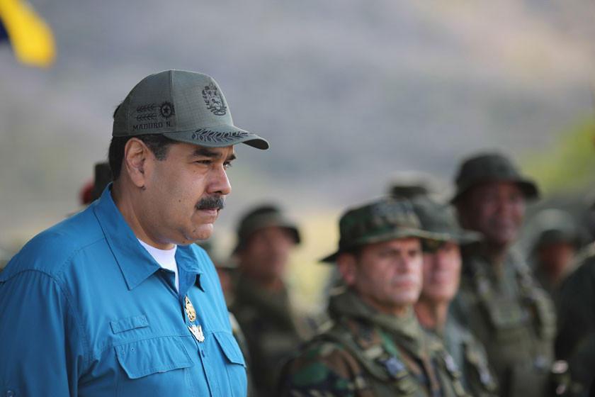 Guaidó presiona a militares por ayuda humanitaria en Venezuela