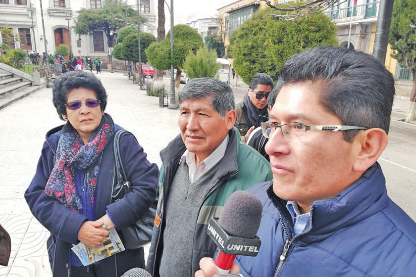 """Socios piden renunciar a los """"prorroguistas"""" consejeros de Cotap"""