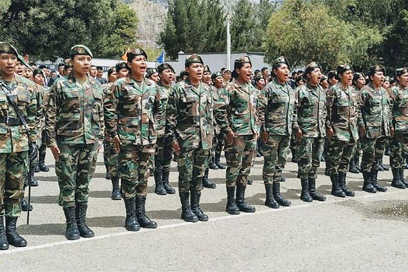 Licencian a las primeras mujeres del servicio militar