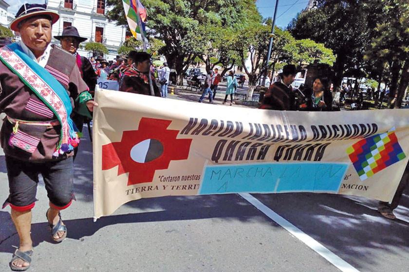 Indígenas de Chuquisaca Cochabamba y Potosí marchan hacia La Paz