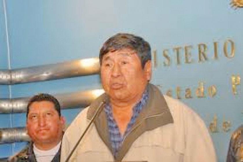 Oficialista revela que dirigentes de choferes recibieron millones