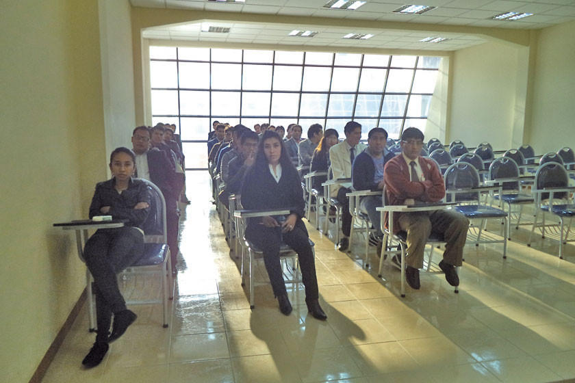 Postulantes a residencia médica para Potosí rindieron su examen ayer
