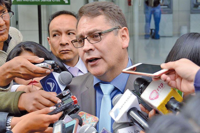 """Desbaratan 2 grupos de """"cogoteros"""" en La Paz"""