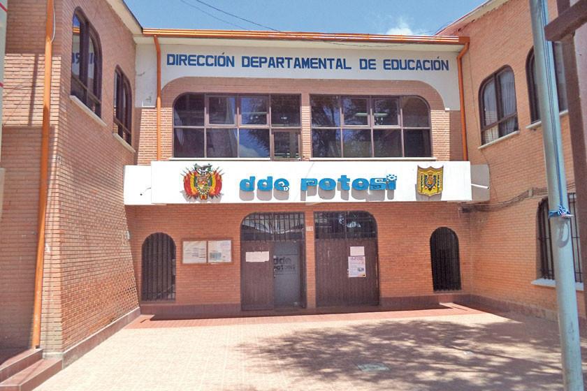 Clausuran instituto clandestino que ofertaba cursos e incumplió clases
