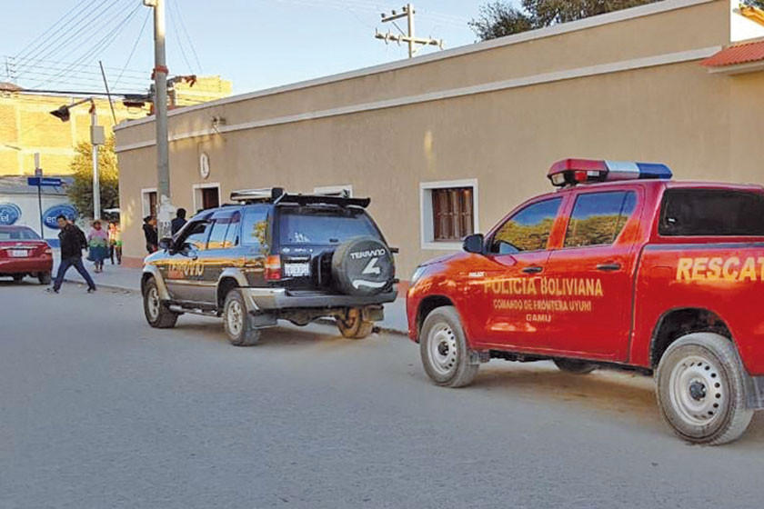 Aprehenden al chofer y hallan el vehículo de chilenos muertos