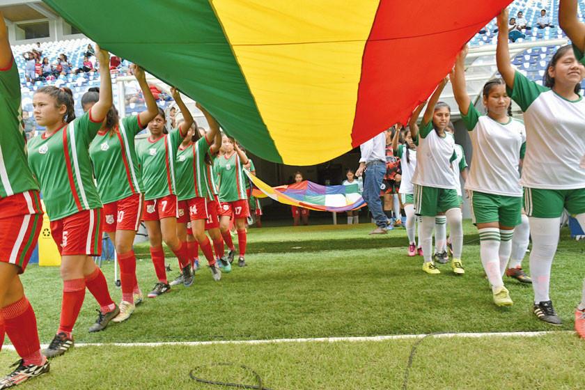 Bolivia pugna por ser sede del Mundial 2023 de fútbol femenino