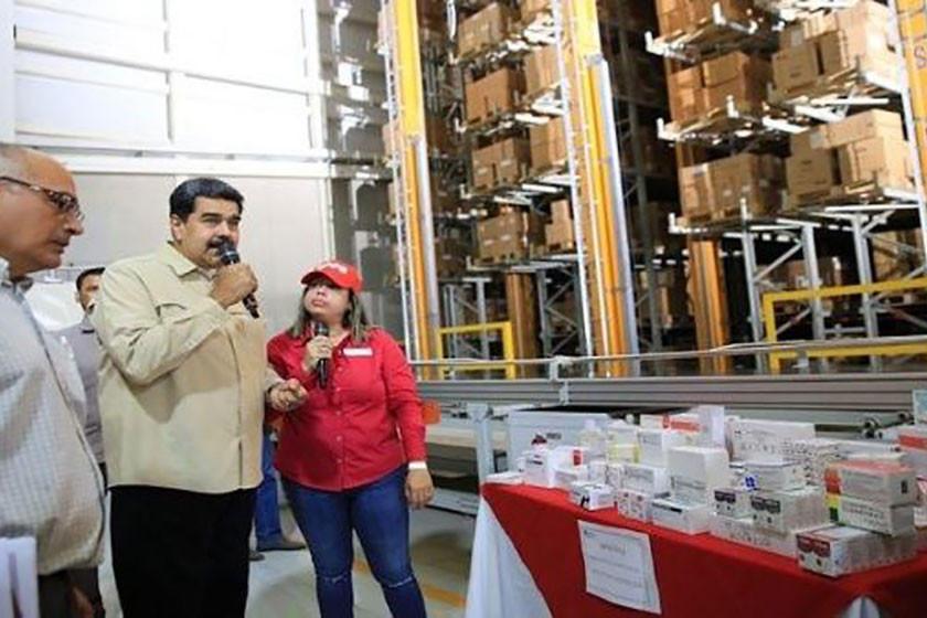 Maduro afirma que Rusia enviará medicamentos y médicos protestan