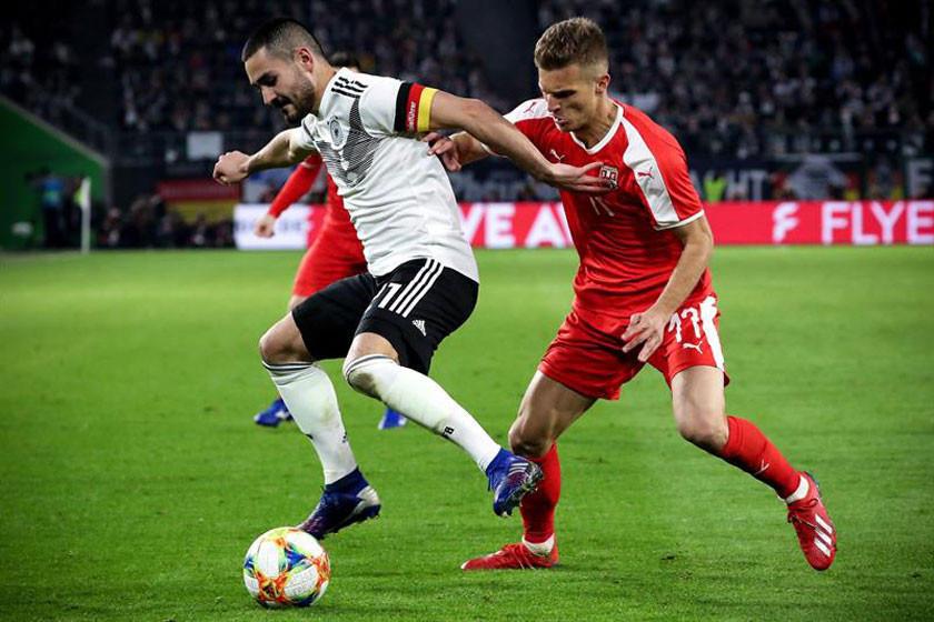 Alemania rescata empate ante Serbia