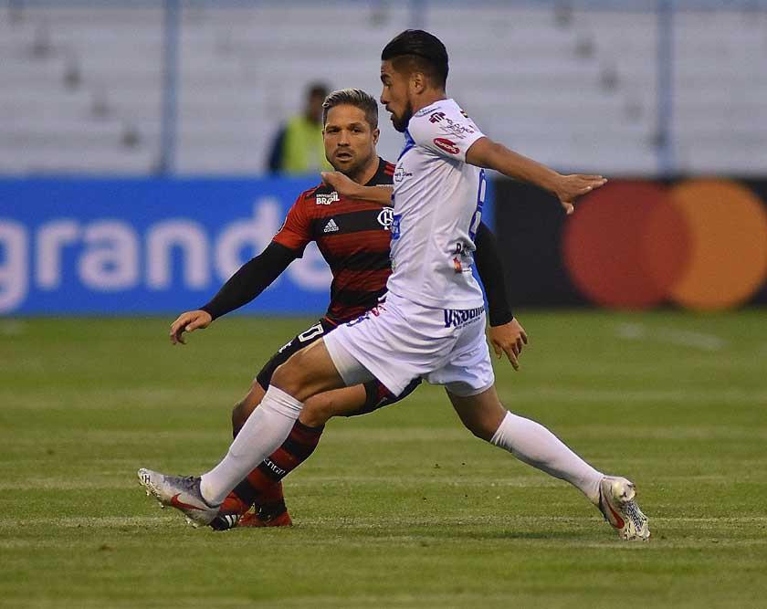 Flamengo quiere sumar para seguir en carrera