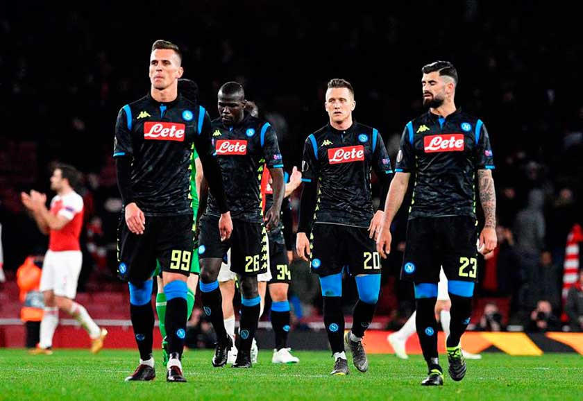 Napoli gana y retrasa la coronación de Juventus en Italia